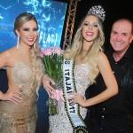 2- A coordenadora do Miss Itajaí 2017 Danny Reis, a Miss eleita Anissa Cunha e o coordenador do Miss Santa catarina Be Emotion Tulio Cordeiro